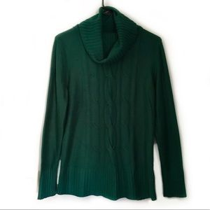 Basic Editions forest green knit sweater EUC